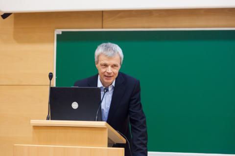 Predstavitev organizatorjev - predsednik ACM Slovenija prof. dr. Marko Petkovšek