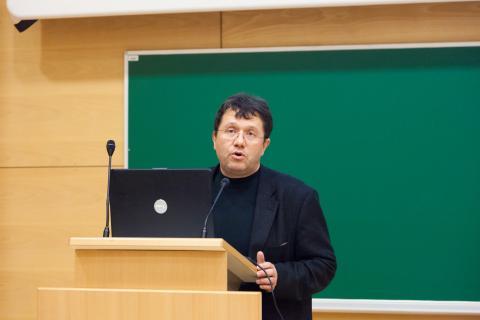 Predstavitev organizatorjev - vodja tekmovanja prof. dr. Jože Rugelj