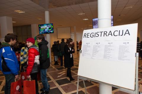 Registracija tekmovalcev pred pričetkom tekmovanja