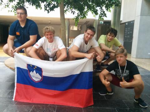 Slovenska ekipa s poljskim spremljevalcem